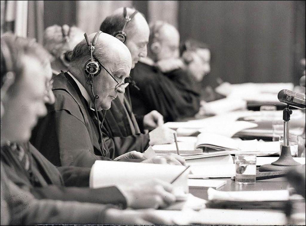 Симултанен превод по време на Нюрнбергския процес